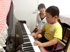 ピアノ・リトミック教室の様子